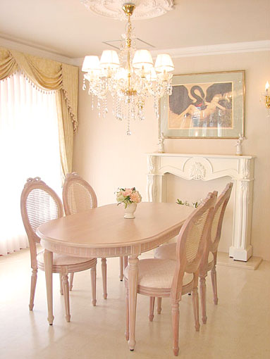 ルイ16世スタイル ダイニングテーブル 160 ピンクベージュ色