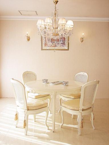 ラ・シェル ラウンドテーブル ホワイト色
