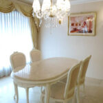 ラ・シェル ダイニングテーブル180 オードリーリボンの彫刻 脚の彫刻なし ホワイト色 クリームベージュ 大理石天板 上乗せのサムネイル