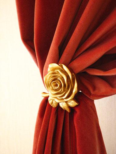 カーテンホルダー 薔薇