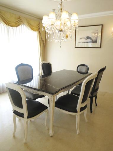 大理石家具 ビバリーヒルズ ダイニングテーブル180 ホワイト&ブラックアンティーク色 シェルの彫刻 ブラック大理石トップ