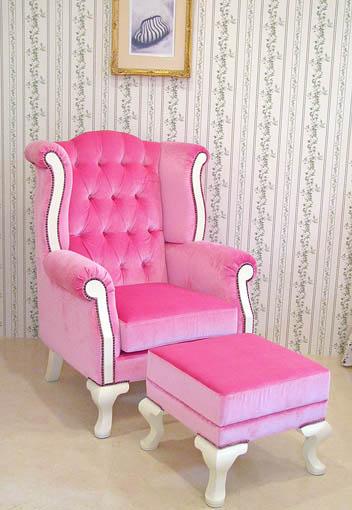 ウィングチェア&オットマン ベビーピンクのベルベットの張り地 ホワイト色