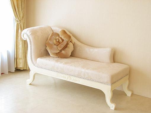 薔薇の令嬢ソファ シェルの彫刻 ホワイト色 リボンとブーケ柄オフホワイト