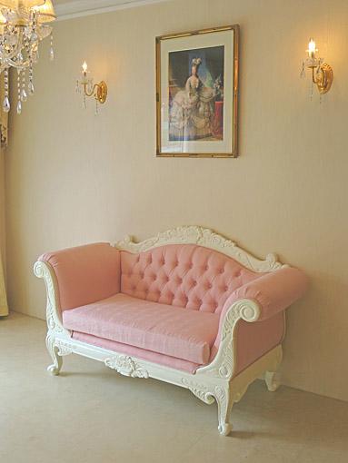 カウチソファ ローズフラワーブーケの彫刻 W1500 ホワイト色 ピンクモアレの張地