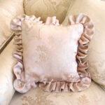 フリルのクッション ピンク花かご柄のサムネイル
