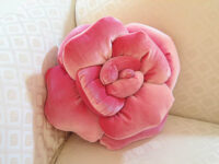 薔薇のクッション ロザリー