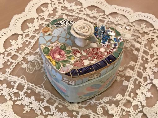 ハートボックス 薔薇の彫刻