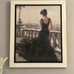 ブラックドレスのパリジェンヌのサムネイル