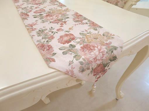 テーブルランナー 薔薇柄 ホワイトパールタッセル 200×28