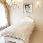 レディメイ シングルベッド オードリーリボンとイニシャルYの彫刻 スーパーホワイト色のサムネイル