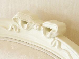 オードリーリボンの彫刻