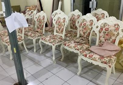 椅子張り作業