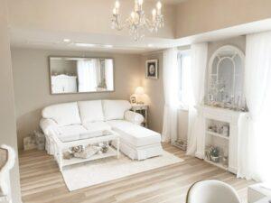 本格的なフレンチスタイルのオーダー家具とマントルピース。横浜市N様邸