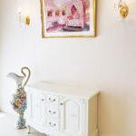 サイドボード2枚扉 引出し3杯 ビバリーヒルズと薔薇の彫刻 ホワイト色のサムネイル