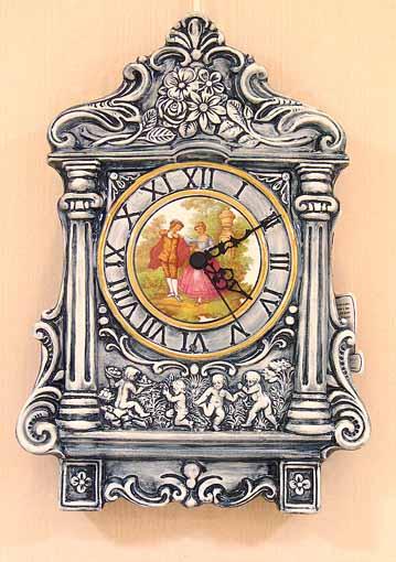 貴婦人の壁掛け時計 クラシックブルーの陶器