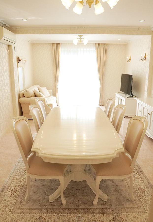 白家具でコーディネートされたお部屋