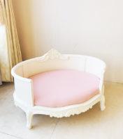 犬のベッド2 ホワイト色 ピンクモアレの張地
