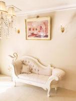 カウチソファ 薔薇の彫刻 W180cm ホワイト色 リボンとブーケ柄オフホワイトの張地
