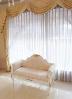 カウチソファ W120cm ホワイト色&ゴールド色 シェルの彫刻 リボンとブーケ柄 オフホワイトの張地