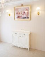 サイドボード パネル付き W100cm オードリーリボンと薔薇の彫刻 ホワイト色