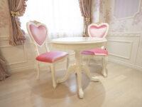 ティーテーブル 1本脚 Φ80㎝ オードリーリボンの彫刻 脚元 薔薇の彫刻 ホワイト色