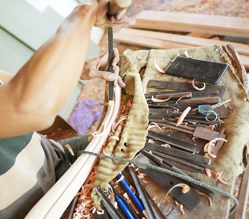 当社の職人が手作りでオーダー家具を製作