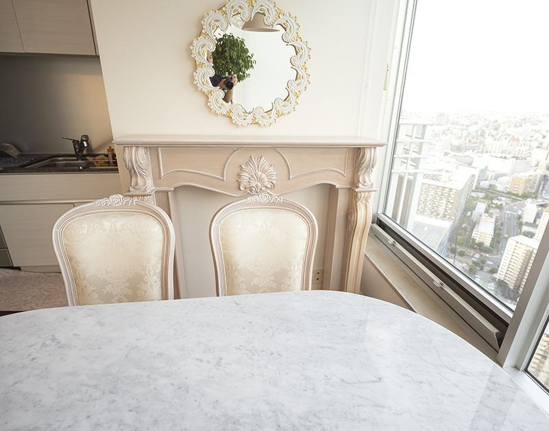 優しい色合いのピンクベージュ色の家具をご納品したお客様宅の動画掲載
