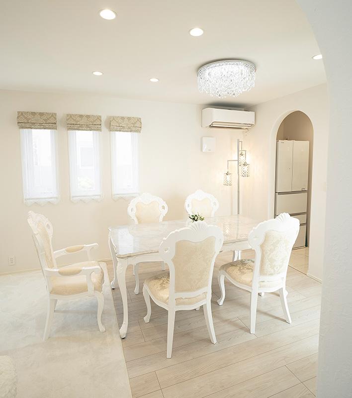 大理石天板のダイニングテーブル、チェアなどを東京都のお客様へご納品
